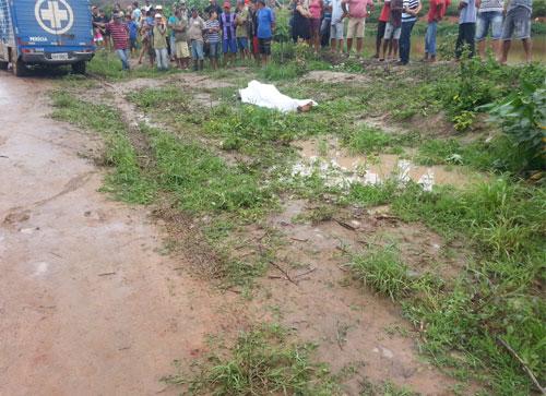 O corpo de Reginaldo foi resgatado sem vida de dentro da lagoa por populares. Foto: Destaquebahia.com.br