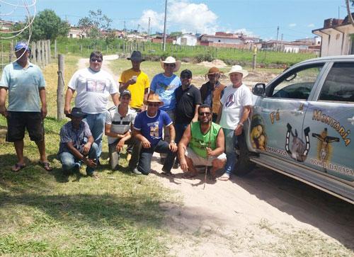 O grupo foi recepcionado pelos Amigos da Cavalgada de Barra da Estiva. Foto: Informebarra.com.br