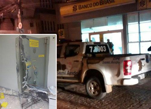 O cofre da agência foi explodido. Foto: Informe Barra