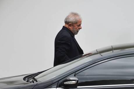 Ex-presidente Lula é denunciado na Justiça por possíveis crimes de lavagem de dinheiro e falsidade ideológica Agência Brasil