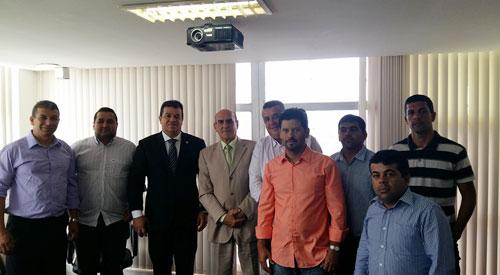 Prefeito, deputado e vereadores uniram forças. Foto: Informebarra.com.br