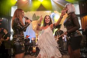 Munik no palco da Final BBB16, ao lado de Ivete Sangalo e Ludmilla (Foto: Raphael Dias/Gshow)