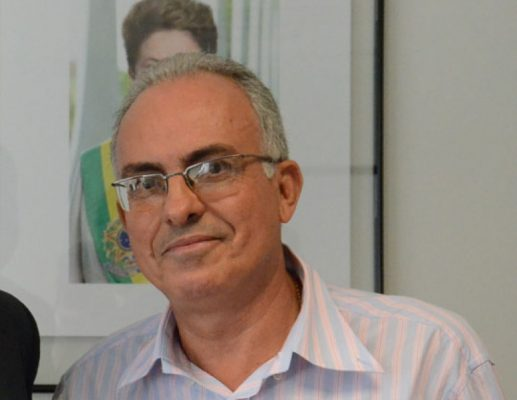 O prefeito João Francisco tem sido alvo de críticas dos professores, devido o atraso nos pagamentos.