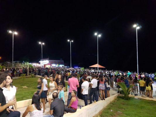 Uma multidão esteve presente na inauguração do Balneário.