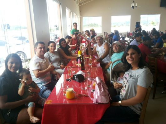 Equipe da D'Motos se reuniu para confraternizar na Churrascaria Lorrana.