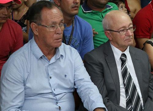 Dr. Jorge (direita) e Batistão foram eleitos para administrar o município pelos próximos 4 anos.
